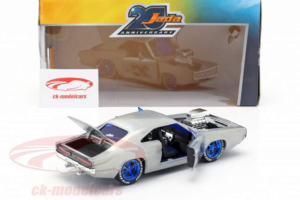 Dodge Charger R/T Baujahr 1970  silber 1:24 Jada Toys