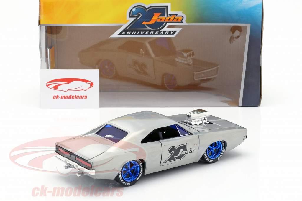 Dodge Charger R/T ano de construção 1970  prata 1:24 Jada Toys