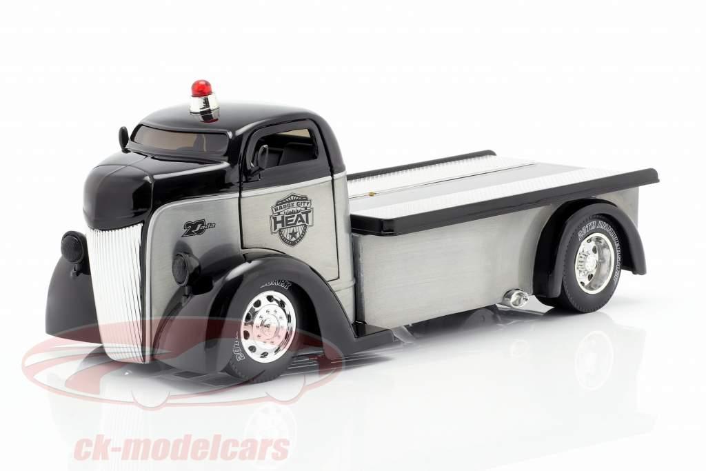 Ford COE Flatbed Truck Baujahr 1947 silber / schwarz 1:24 Jada Toys