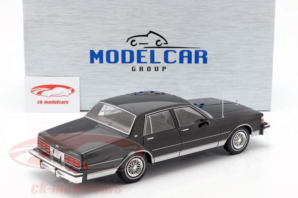 Chevrolet Caprice Bouwjaar 1987 zwart 1:18 Model Car Group