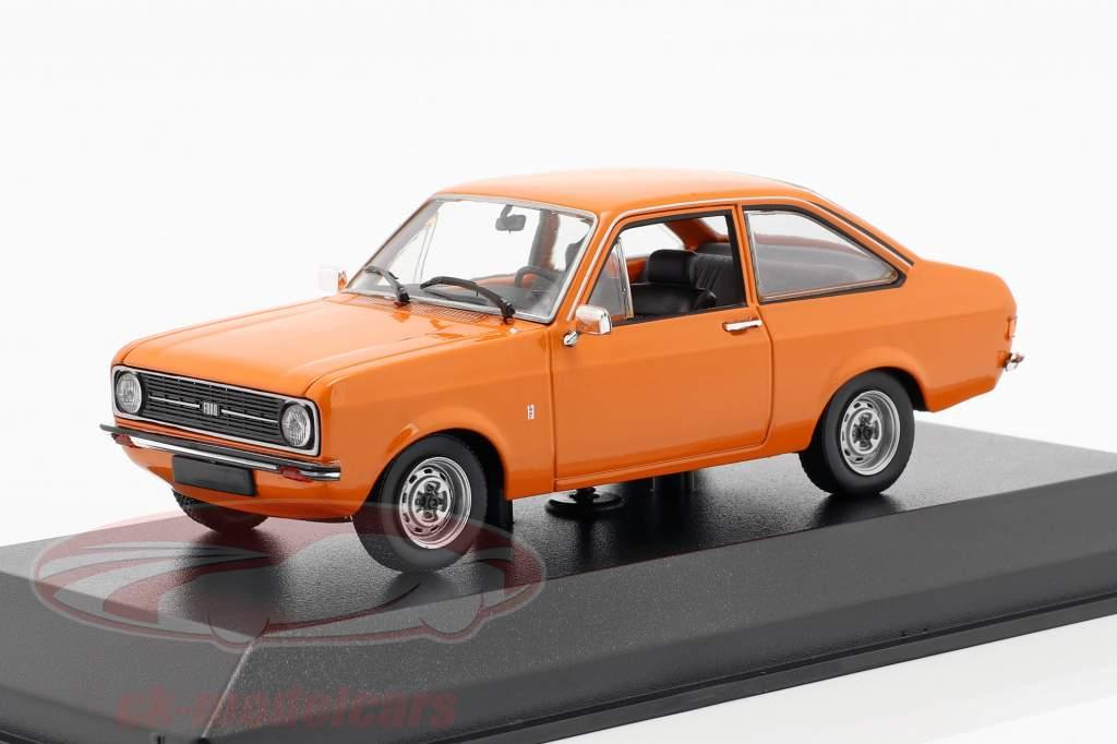 Ford Escort anno di costruzione 1975 arancione 1:43 Minichamps