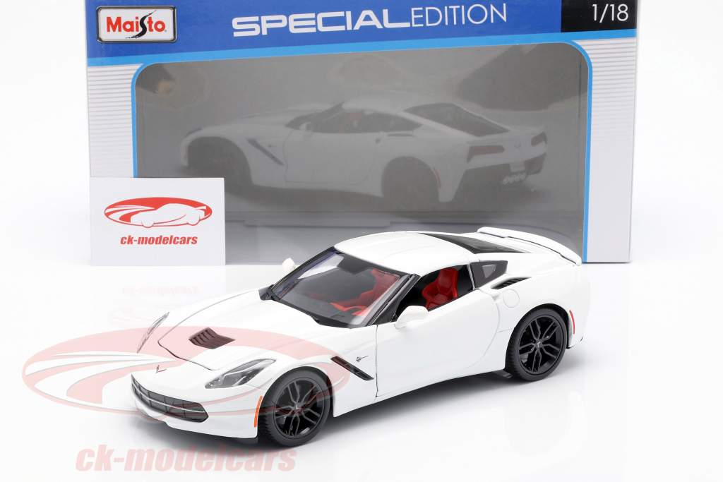 Corvette Stingray Z51 Baujahr 2014 weiß 1:18 Maisto