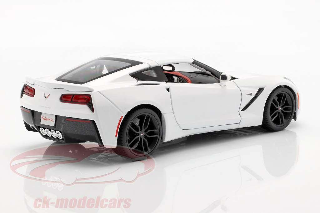 Corvette Stingray Z51 År 2014 hvid 1:18 Maisto