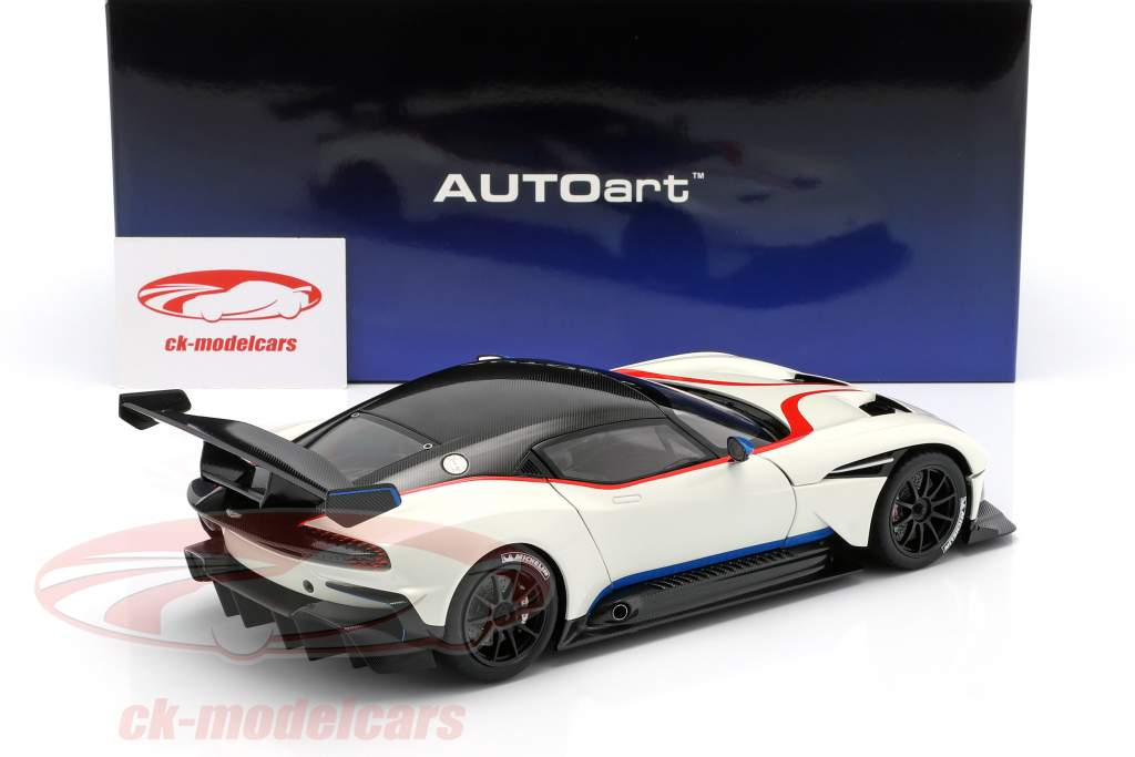 Aston Martin Vulcan anno di costruzione 2015 strato bianco 1:18 AUTOart