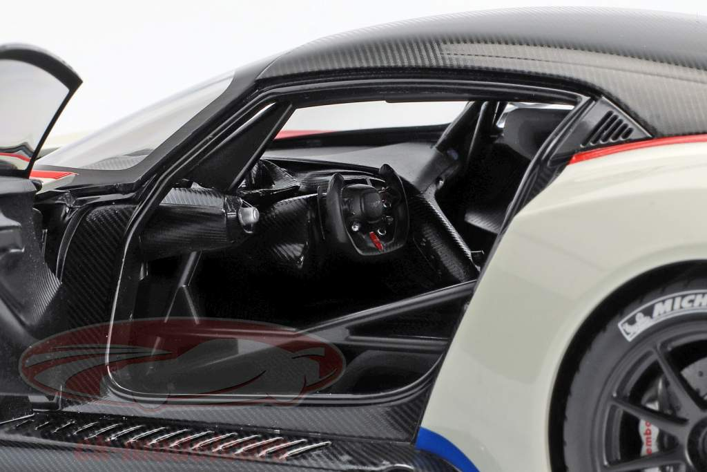 Aston Martin Vulcan Opførselsår 2015 stratus hvid 1:18 AUTOart