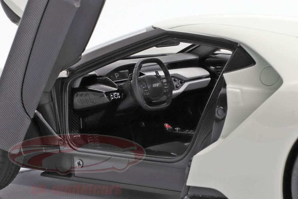 Ford GT ano de construção 2017 congelado branco 1:18 AUTOart