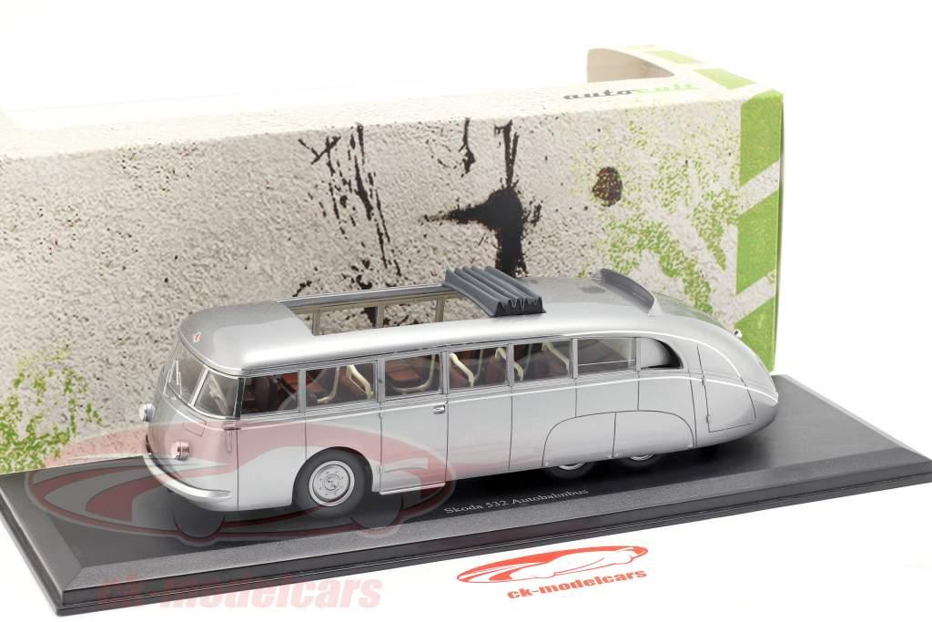 Skoda 532 Autobahnbus Opførselsår 1938 sølv 1:43 AutoCult