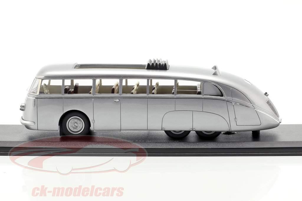 Skoda 532 Autobahnbus anno di costruzione 1938 argento 1:43 AutoCult