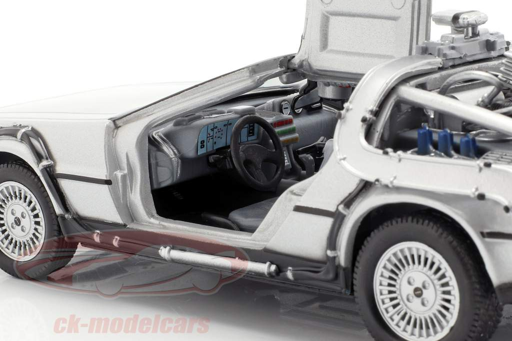 3 Set de vagones DeLorean DMC-12 Back to the Future Part 1-3 1985-90 1:24 Welly
