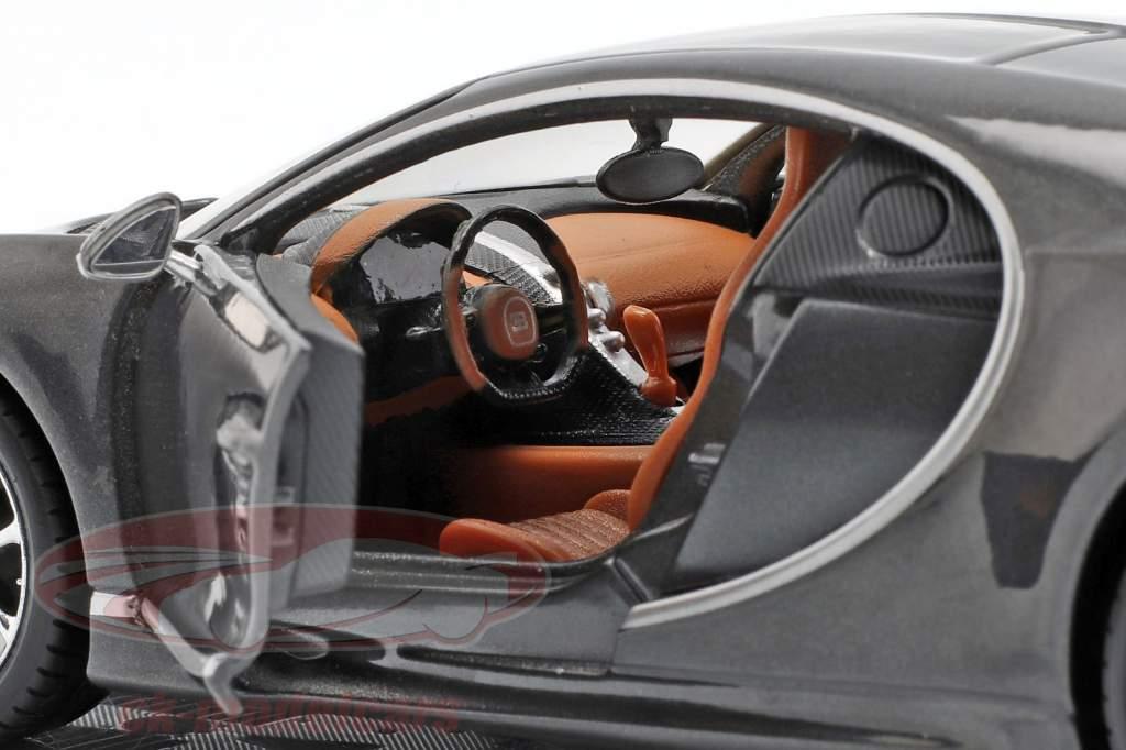 Bugatti Chiron Baujahr 2016 grau metallic 1:24 Maisto