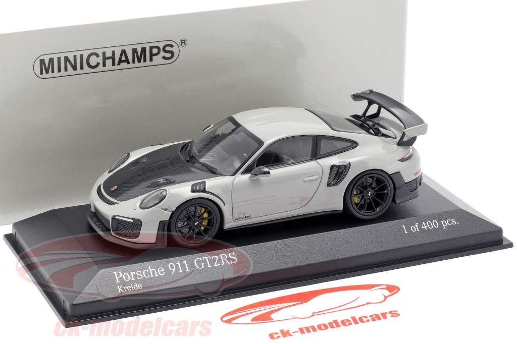 Porsche 911 (991 II) GT2 RS Bouwjaar 2018 krijt grijs / zwart 1:43 Minichamps