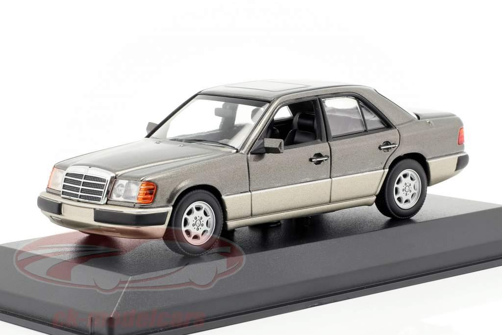 Mercedes-Benz 230E (W124) Baujahr 1991 grau metallic 1:43 Minichamps