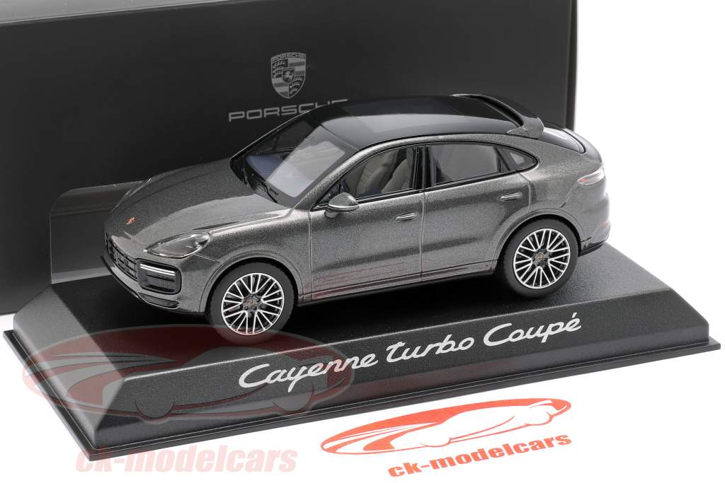 Porsche Cayenne Turbo coupe Bouwjaar 2019 donkergrijs metalen 1:43 Norev