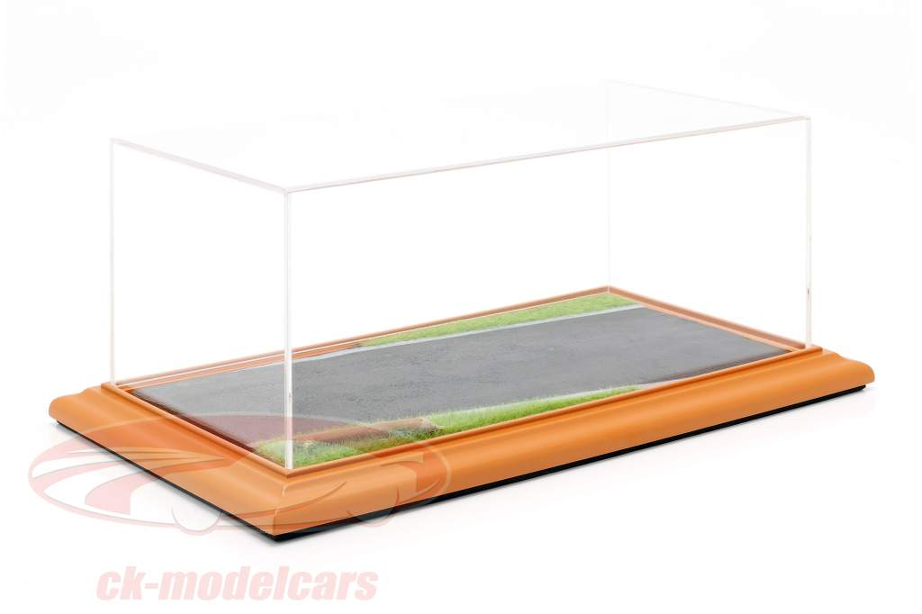 High quality acrylic display case with diorama baseplate Country Road 1:18 Atlantic