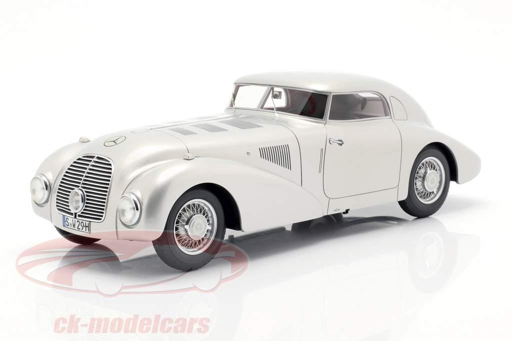 Mercedes 540K strømlinet bil Opførselsår 1938 sølv 1:18 BoS-Models