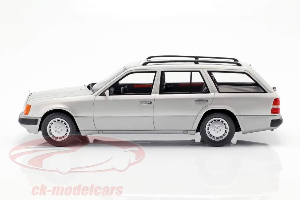 Mercedes-Benz 300 TE S124 anno di costruzione 1990 argento 1:18 BoS-Models