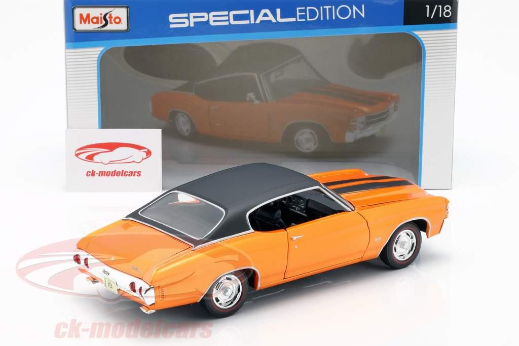 Chevrolet Chevelle SS 454 Sport Coupe 1971 laranja metálico / preto 1:18 Maisto