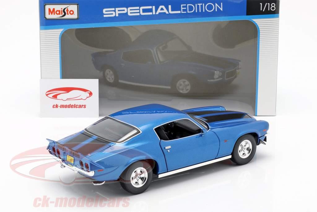 Chevrolet Camaro Baujahr 1971 blau metallic / schwarz 1:18 Maisto