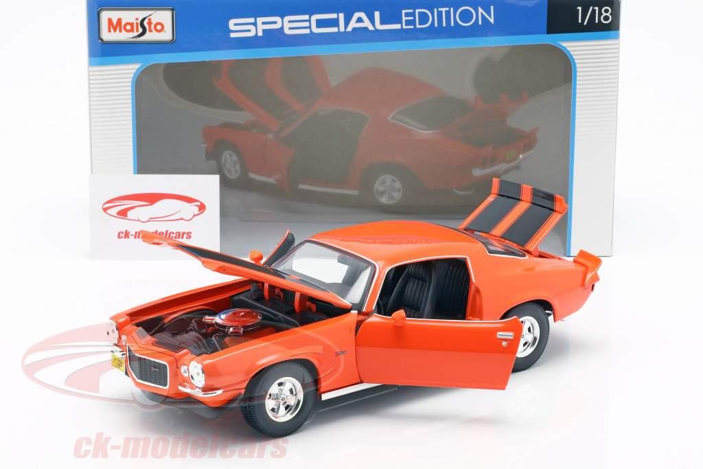Chevrolet Camaro año de construcción 1971 naranja / negro 1:18 Maisto