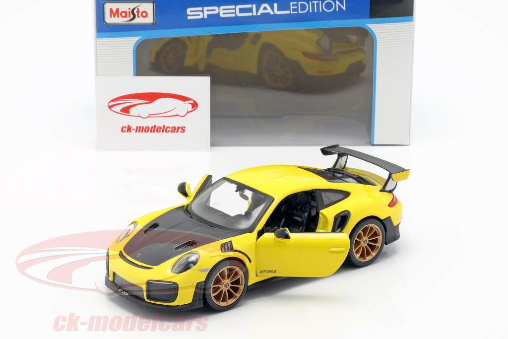 Porsche 911 (991 II) GT2 RS anno di costruzione 2018 giallo / nero 1:24 Maisto