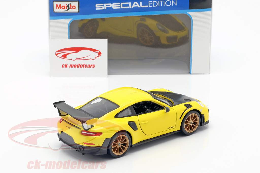Porsche 911 (991 II) GT2 RS year 2018 yellow / black 1:24 Maisto