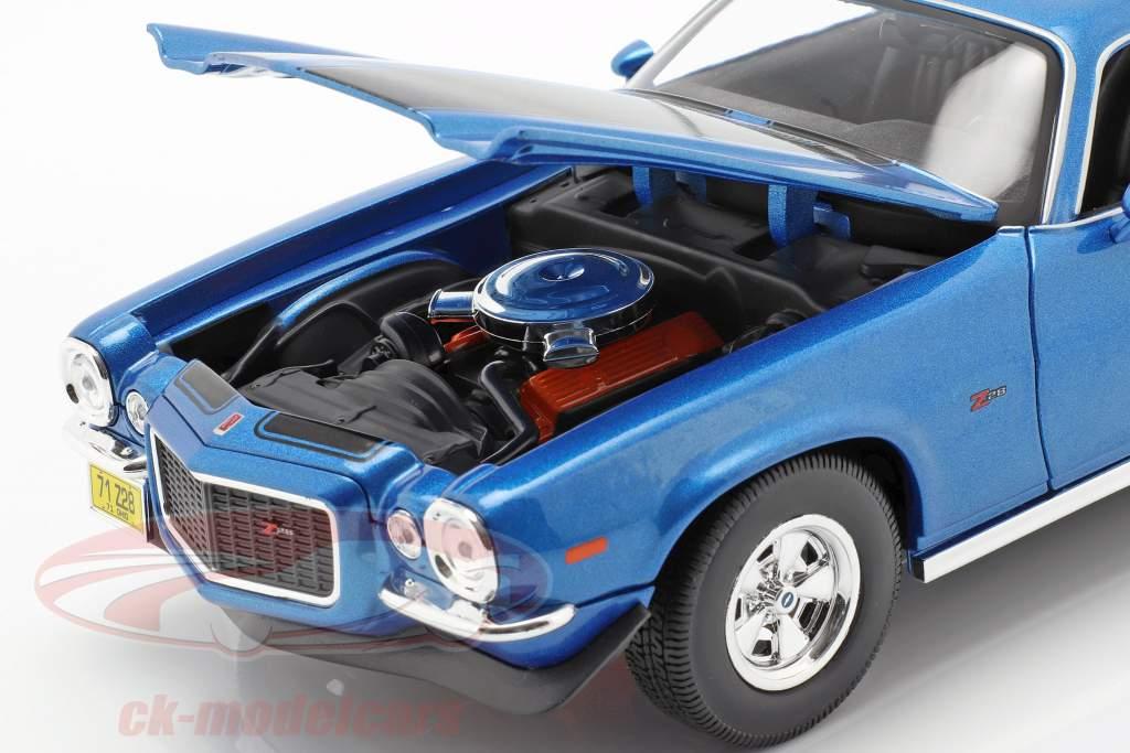 Chevrolet Camaro año de construcción 1971 azul metálico / negro 1:18 Maisto