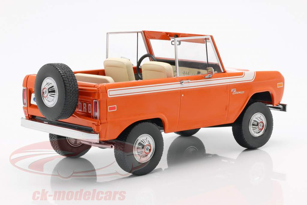 Ford Bronco year 1977 orange / white 1:18 Greenlight