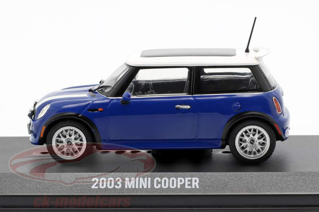 Mini Cooper S year 2003 Movie The Italian Job (2003) blue / White 1:43 Greenlight