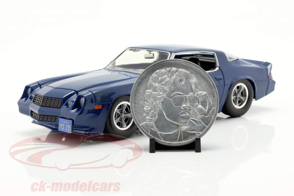 Billy's Chevy Camaro Z28 avec pièce de collection TV-Serie étranger choses bleu foncé 1:24 Jada Toys