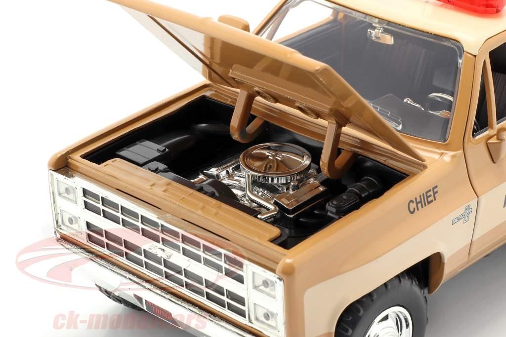 Hopper's Chevy Blazer met politie badge tv-serie Stranger Things bruin / beige 1:24 Jada Toys