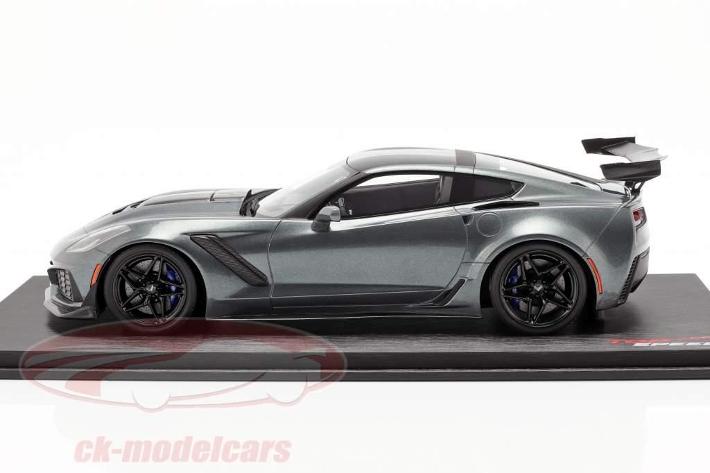 Chevrolet Corvette ZR-1 year 2018 shadow gray metallic 1:18 TrueScale