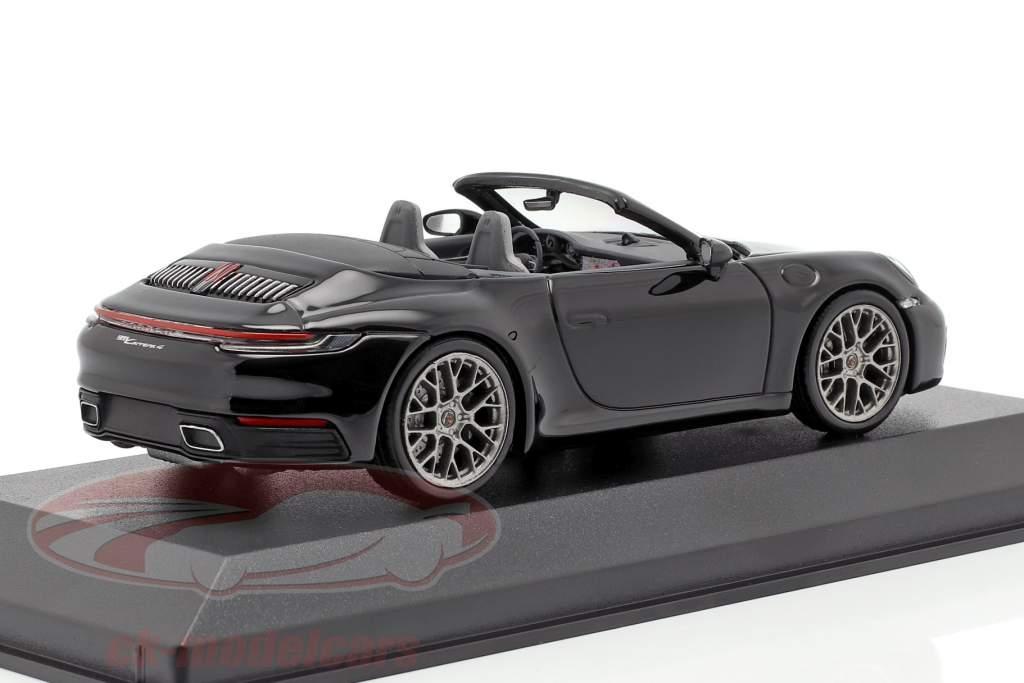 Porsche 911 (992) Carrera 4 カブリオレ 黒 1:43 Minichamps