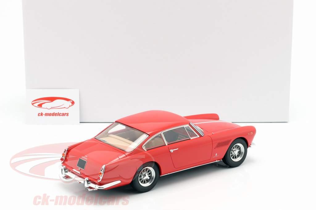 Ferrari 250 GTE 2+2 anno di costruzione 1960 rosso 1:18 Matrix