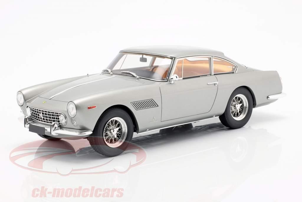 Ferrari 250 GTE 2+2 ano de construção 1960 prata 1:18 Matrix