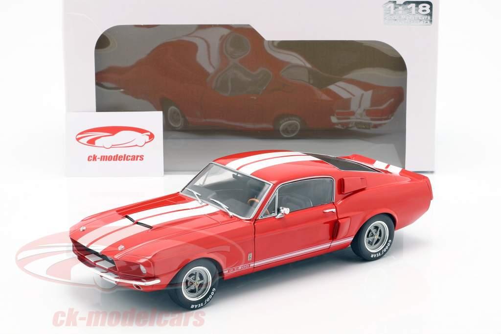 Shelby Mustang GT 500 Bouwjaar 1967 rood 1:18 Solido