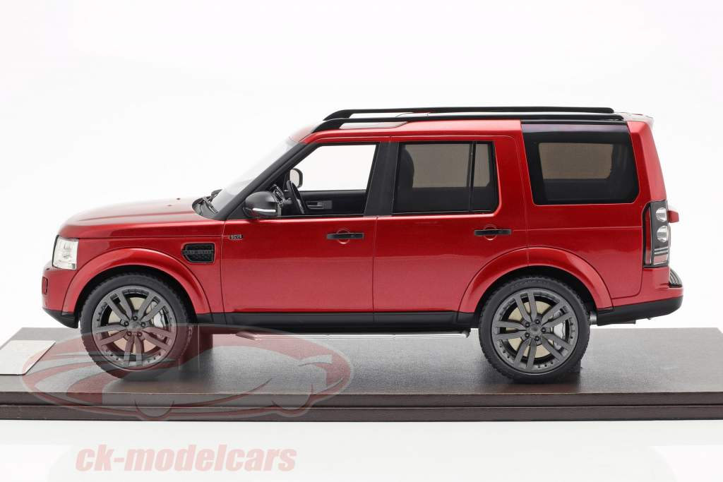 Land Rover Discovery IV year 2016 red 1:18 MotorHelix