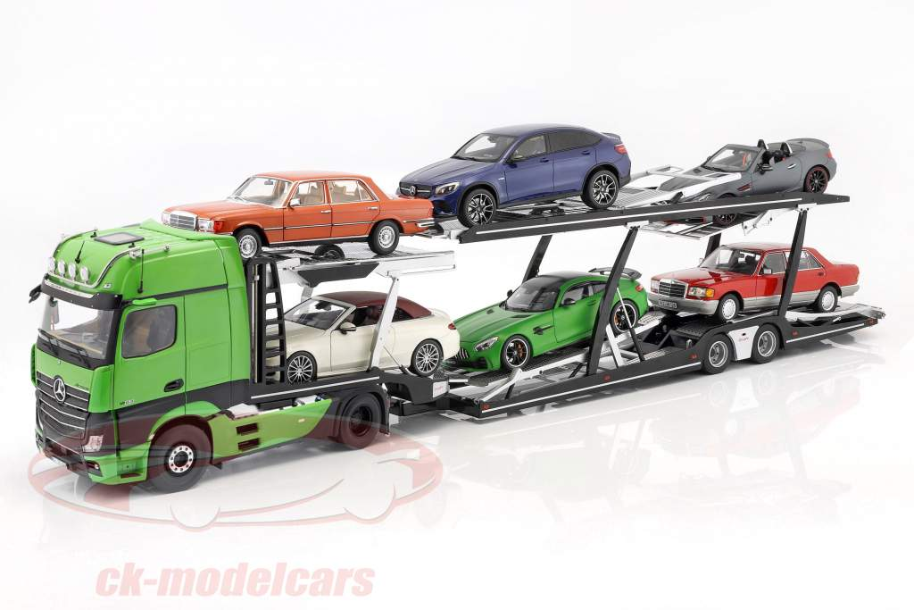 reeks Mercedes-Benz Actros met Lohr autotransporter groen / zilver 1:18 NZG