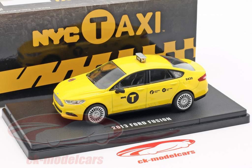 Ford Fusion NYC Taxi ano de construção 2013 amarelo 1:43 Greenlight