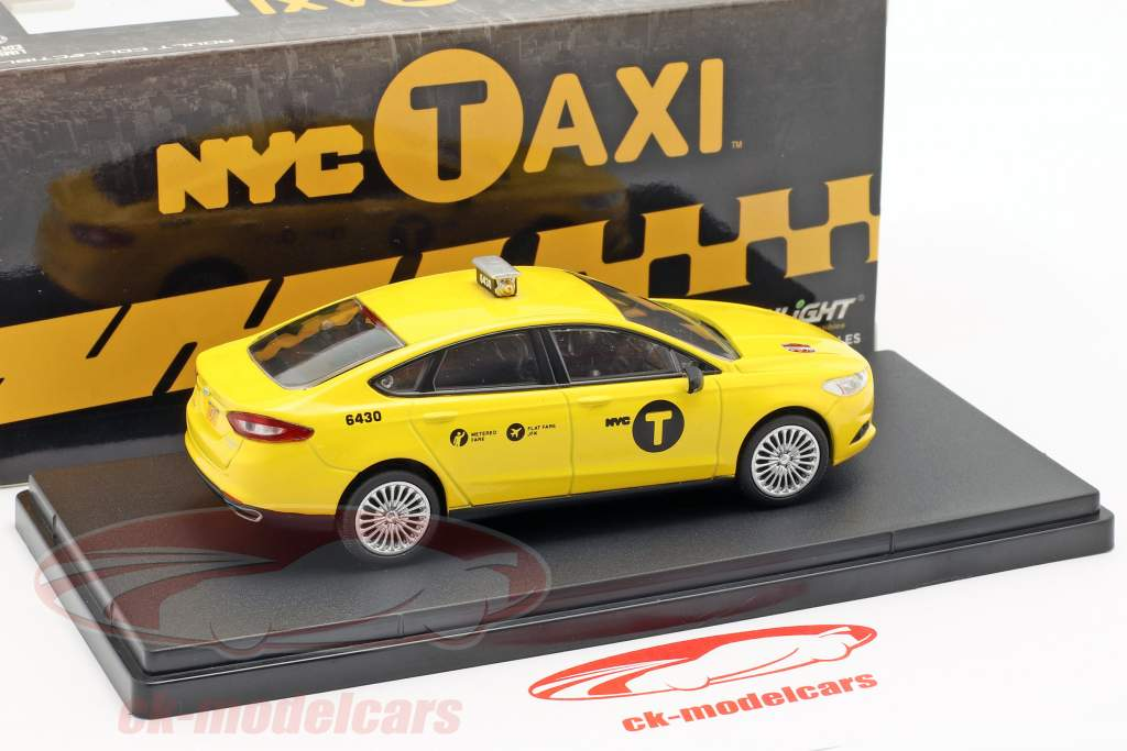 Ford Fusion NYC Taxi Opførselsår 2013 gul 1:43 Greenlight