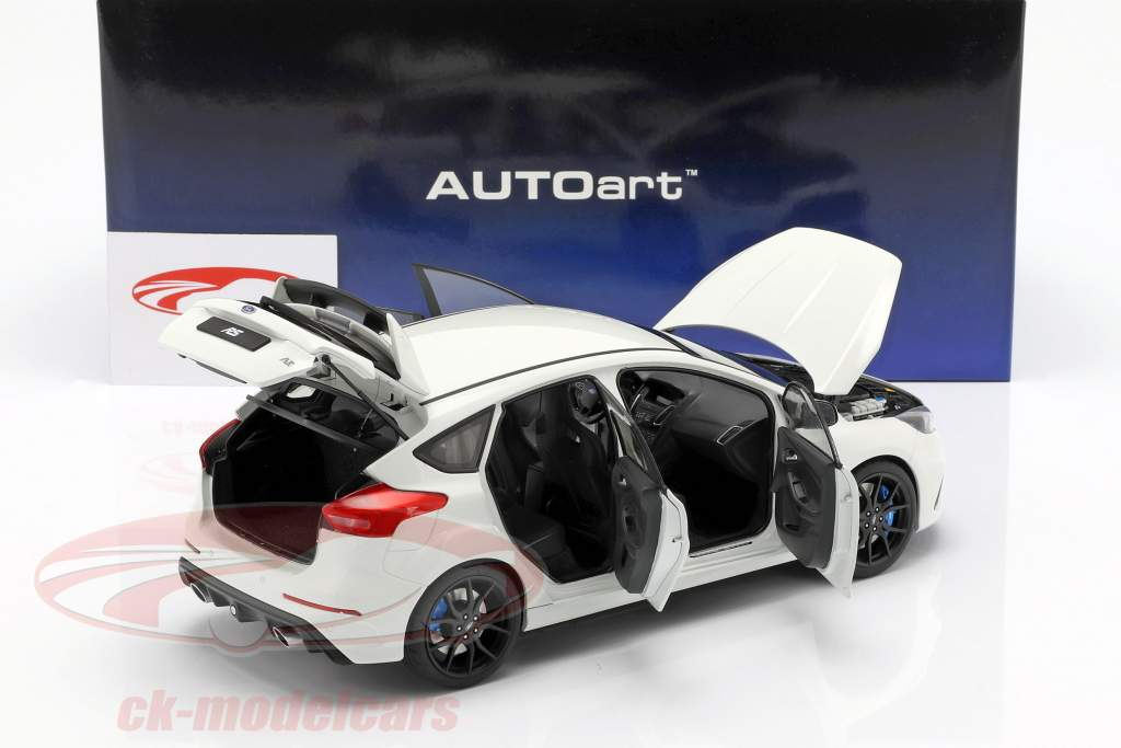 Ford Focus RS année de construction 2016 gelé blanc 1:18 AUTOart