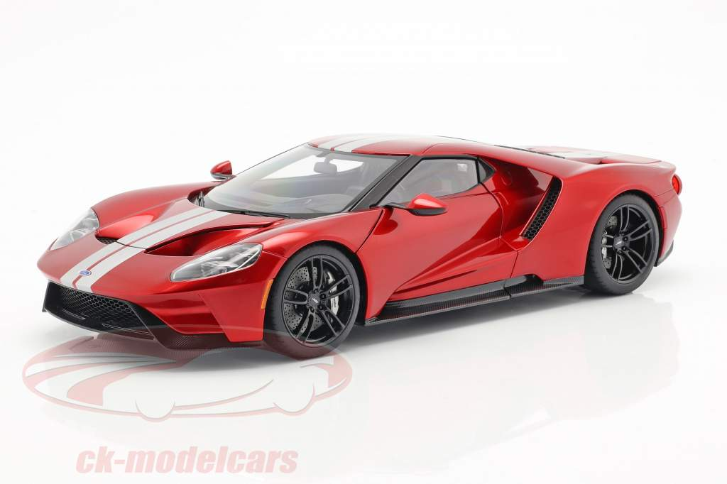 Ford GT Bouwjaar 2017 liquid rood / zilver 1:18 AUTOart