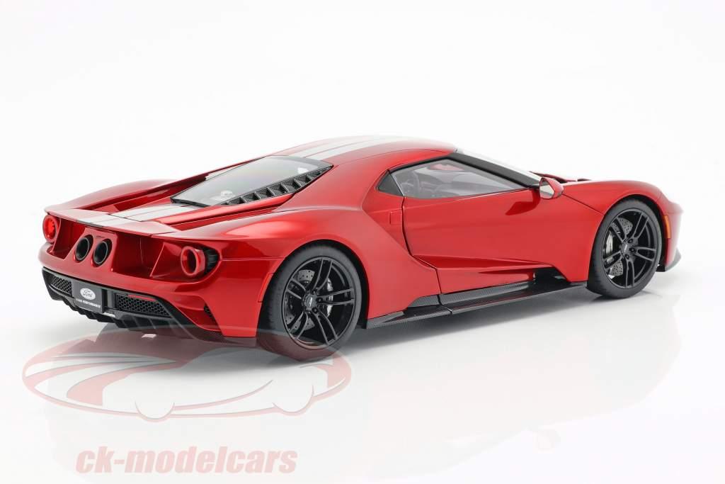 Ford GT Baujahr 2017 liquid rot / silber 1:18 AUTOart