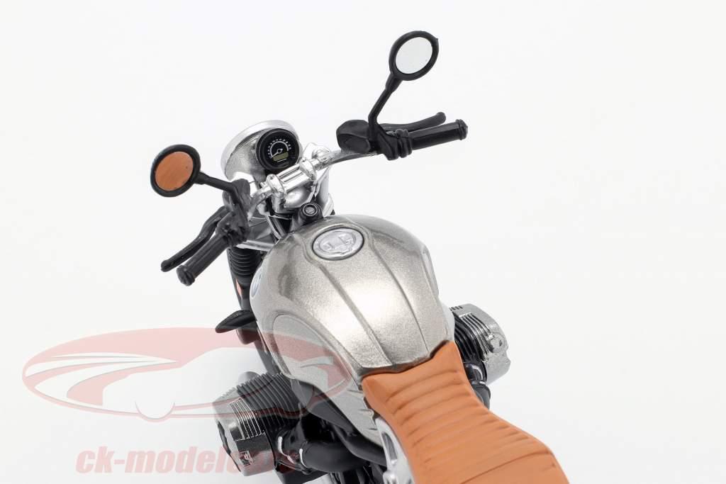 BMW R nineT Scrambler grigio / argento / nero 1:12 Maisto