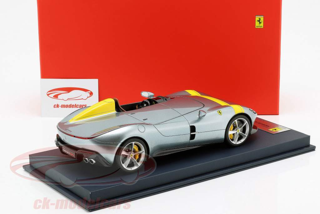 Ferrari Monza SP1 Motor Show Paris 2018 cinza metálico / amarelo com mostruário 1:18 LookSmart