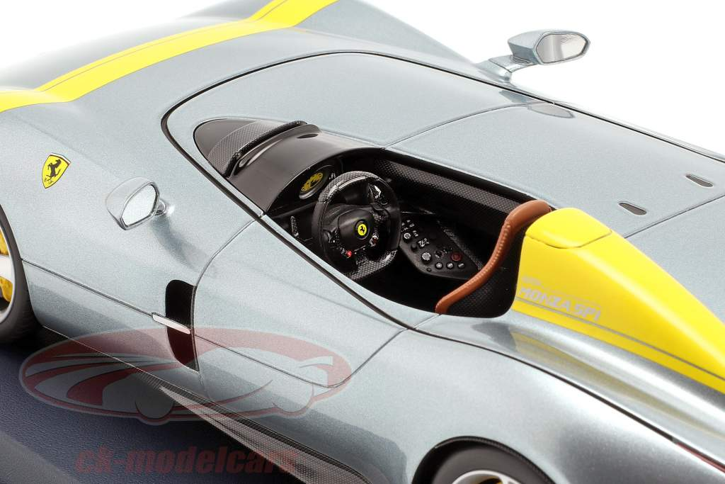 Ferrari Monza SP1 Afficher moteur Paris 2018 gris métallique / jaune avec vitrine 1:18 LookSmart