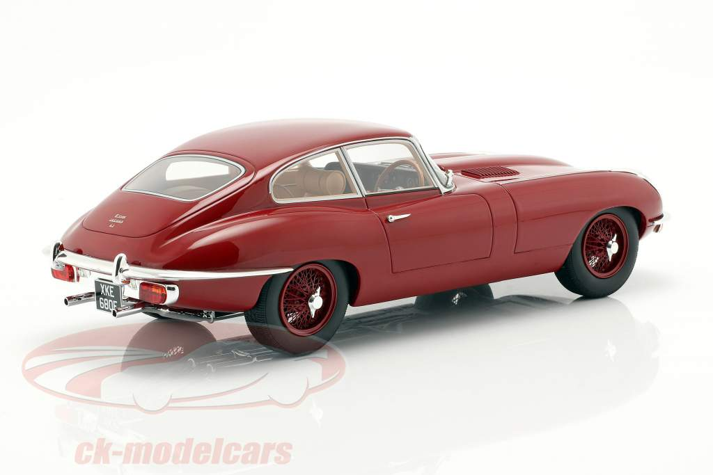 Jaguar E-Type coupe serie 2 año de construcción 1968 rojo 1:18 Cult Scale