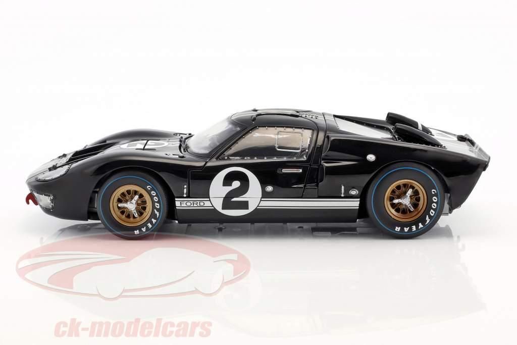 Ford GT40 MK II #2 ganador 24h LeMans 1966 McLaren, Amon 1:18 ShelbyCollectibles