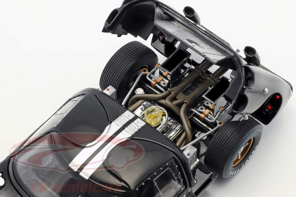 Ford GT40 MK II #2 vincitore 24h LeMans 1966 McLaren, Amon 1:18 ShelbyCollectibles