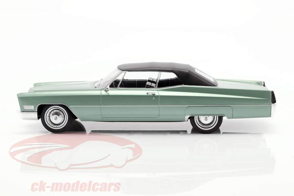 Cadillac DeVille Convertible met softtop 1968 licht groen metalen 1:18 KK-Scale