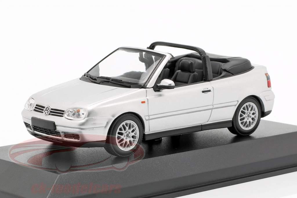 Volkswagen VW Golf IV Cabriolet Bouwjaar 1998 zilver 1:43 Minichamps